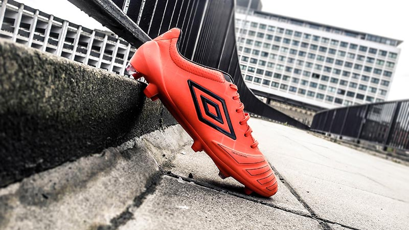 Umbro UX Accuro